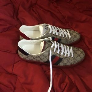6dd122a34 Men Gucci Shoes Price on Poshmark